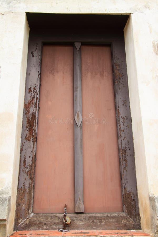 Porta del vecchio tempio fotografia stock libera da diritti