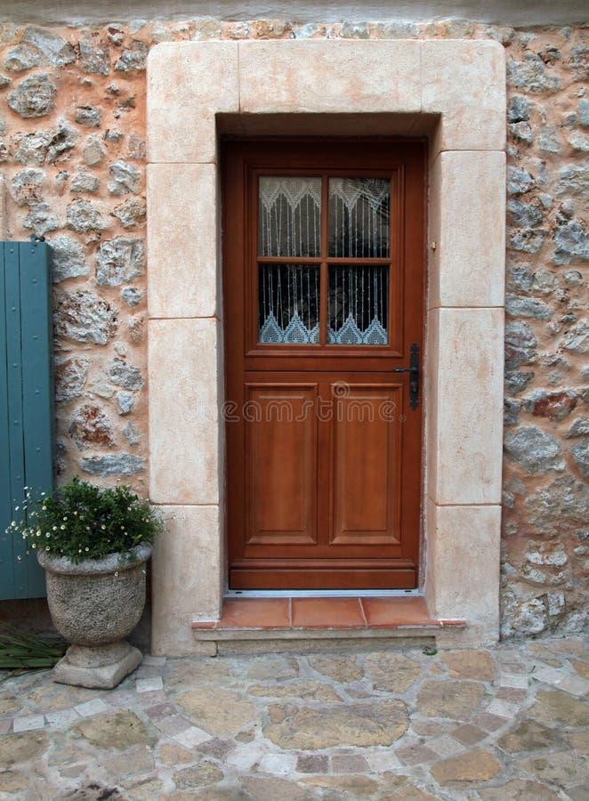 Porta della casa della parete di pietra provenza francia for Programma di disegno della casa libera