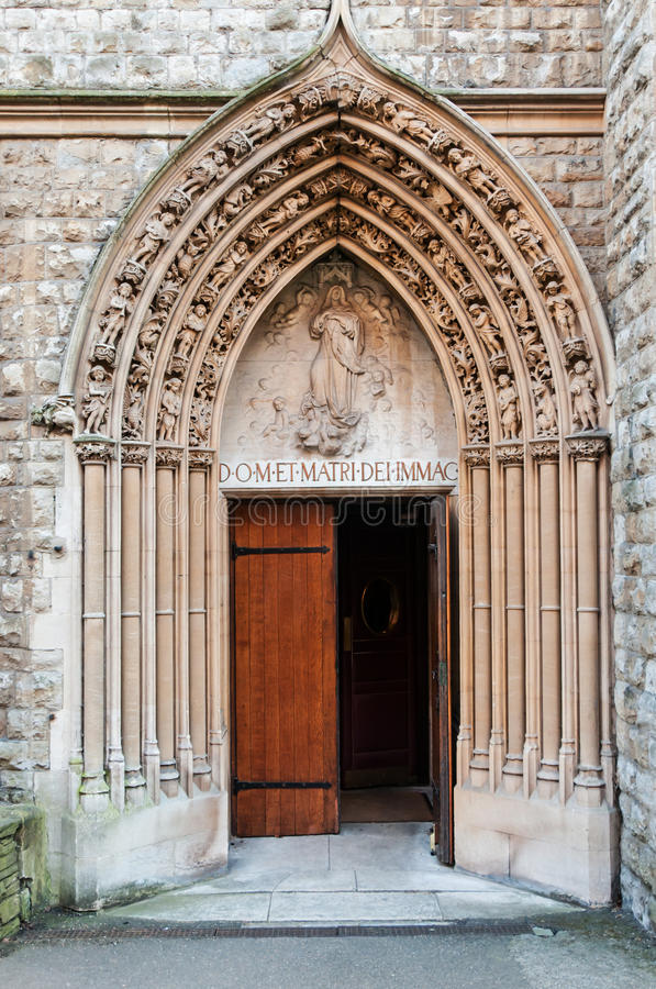 Porta della chiesa immagine stock