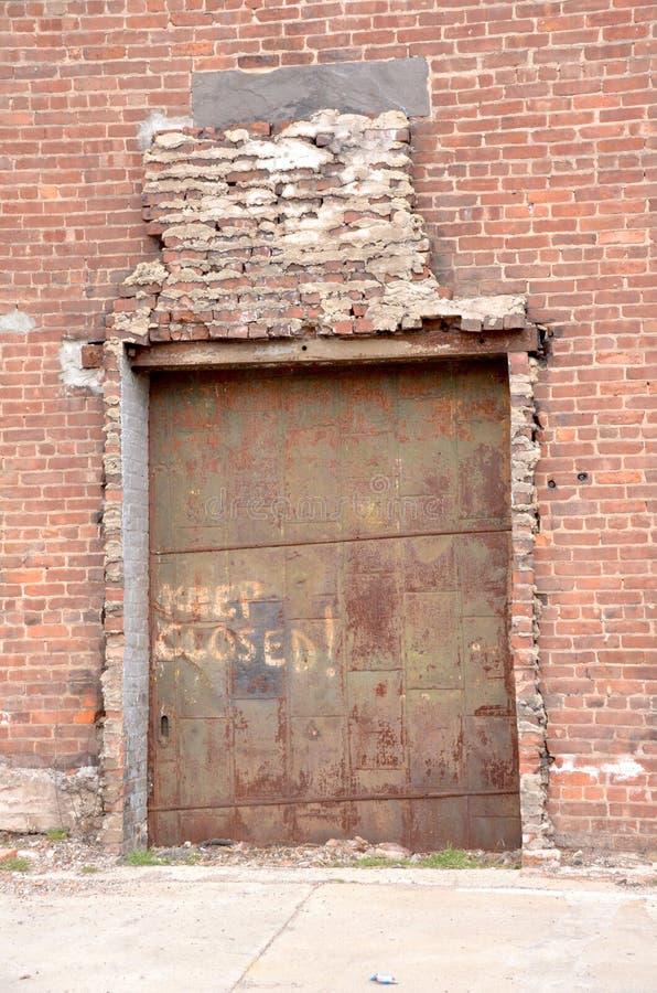 Porta della fabbrica fotografie stock