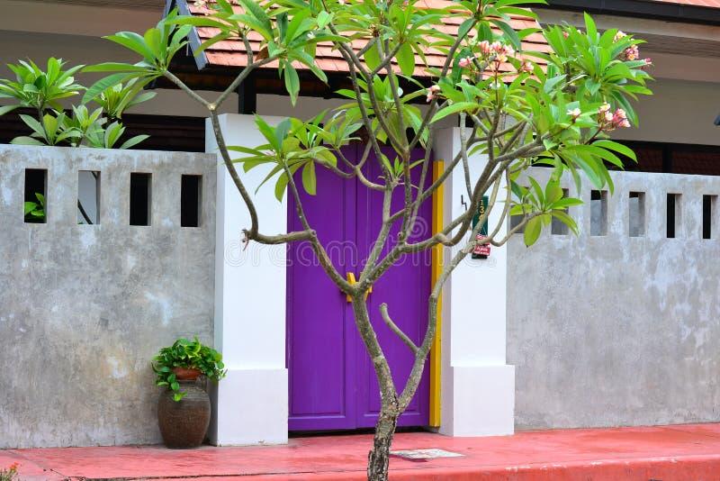 Porta di Hotelroom fotografia stock libera da diritti