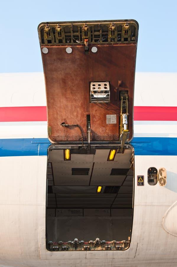 Porta di scompartimento del carico fotografia stock