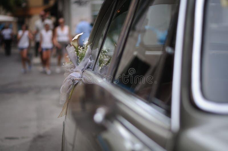 Porta do carro do casamento foto de stock
