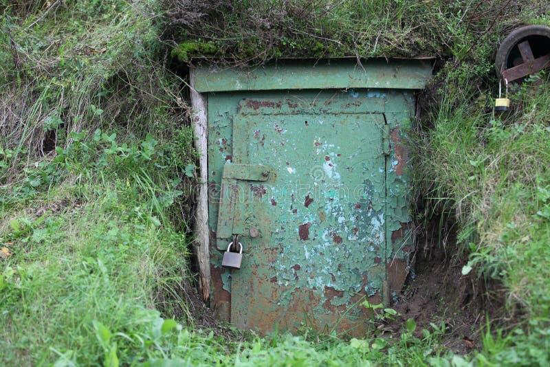 Porta do Dungeon imagem de stock