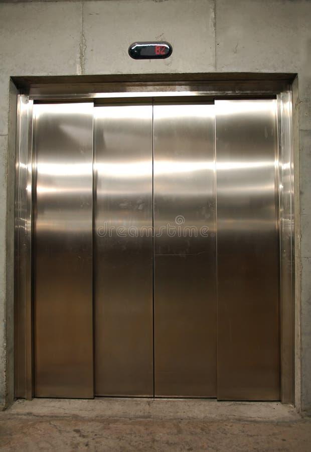 Porta do elevador foto de stock
