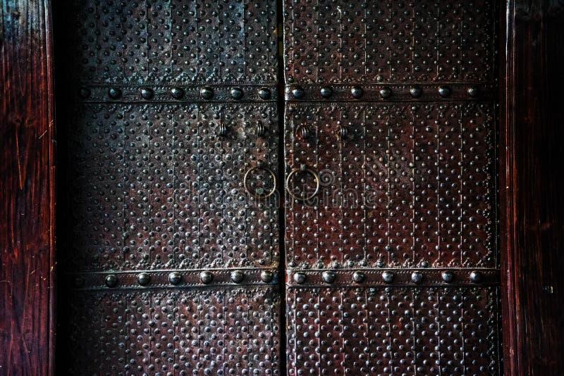 Porta do ferro no estilo chinês fotografia de stock