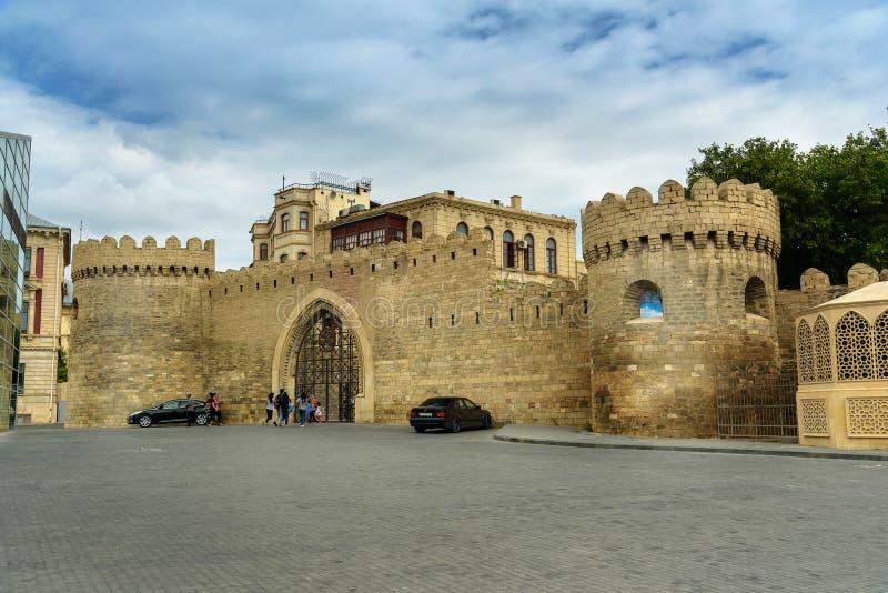 Porta do leste da cidade velha, Icheri Sheher baku fotos de stock royalty free