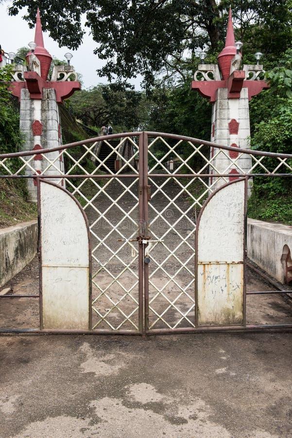 Porta do parque da represa de Neyyar foto de stock