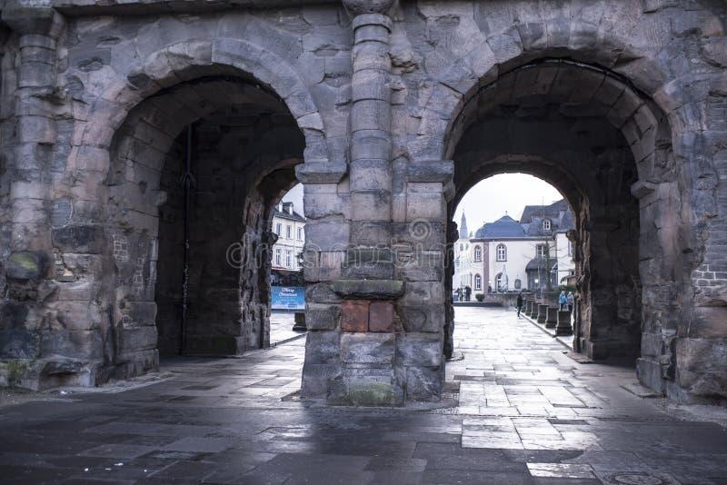Porta do preto do negro de Porta - o ao mais grande e o mais bem conservado imagem de stock royalty free