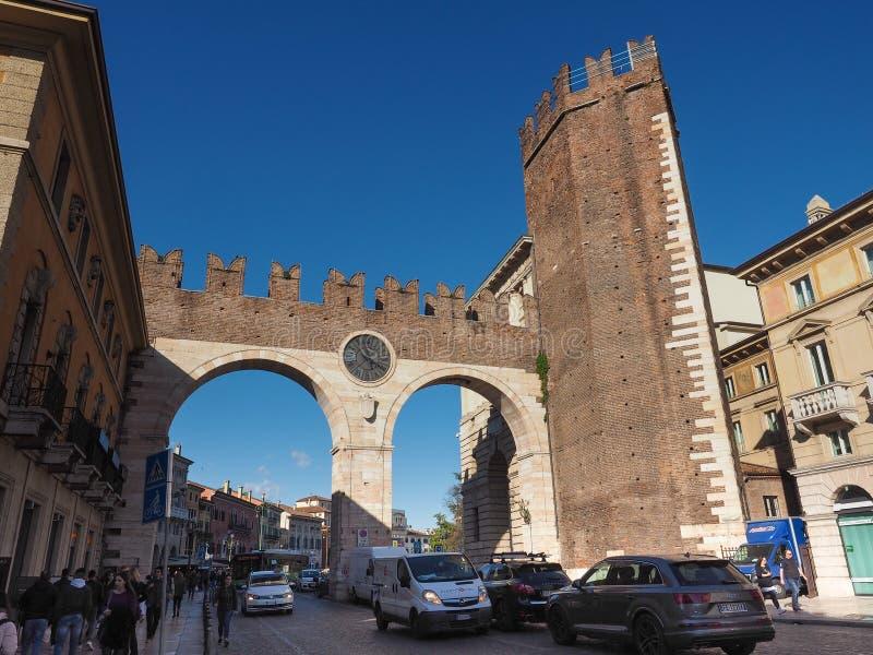 Porta do suti? do della de Portoni em Verona foto de stock royalty free
