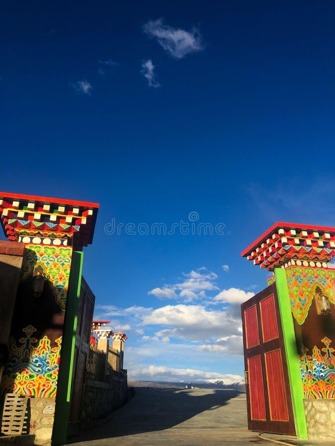 A porta do templo imagem de stock royalty free