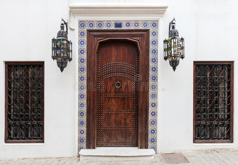 Porta e finestre di legno antiche fotografie stock libere da diritti