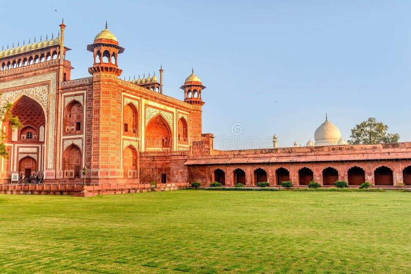 Porta em Taj Mahal, India foto de stock