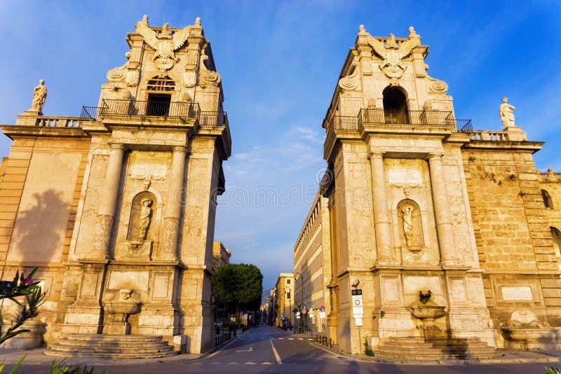Porta Felice di mattina a Palermo, Italia immagine stock