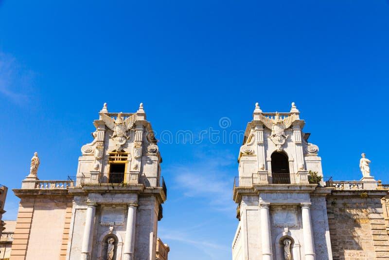 Porta Felice es una puerta de la ciudad de Palermo, Italia foto de archivo libre de regalías