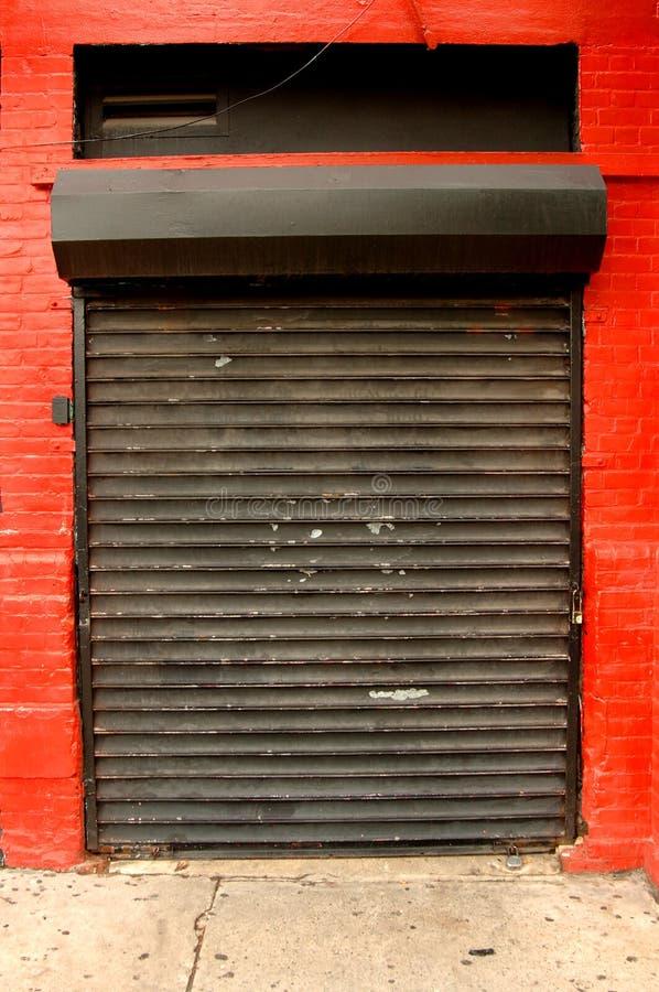 Porta industrial da garagem imagem de stock royalty free