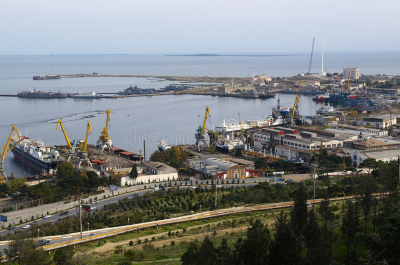 Porta industrial em Baku foto de stock royalty free