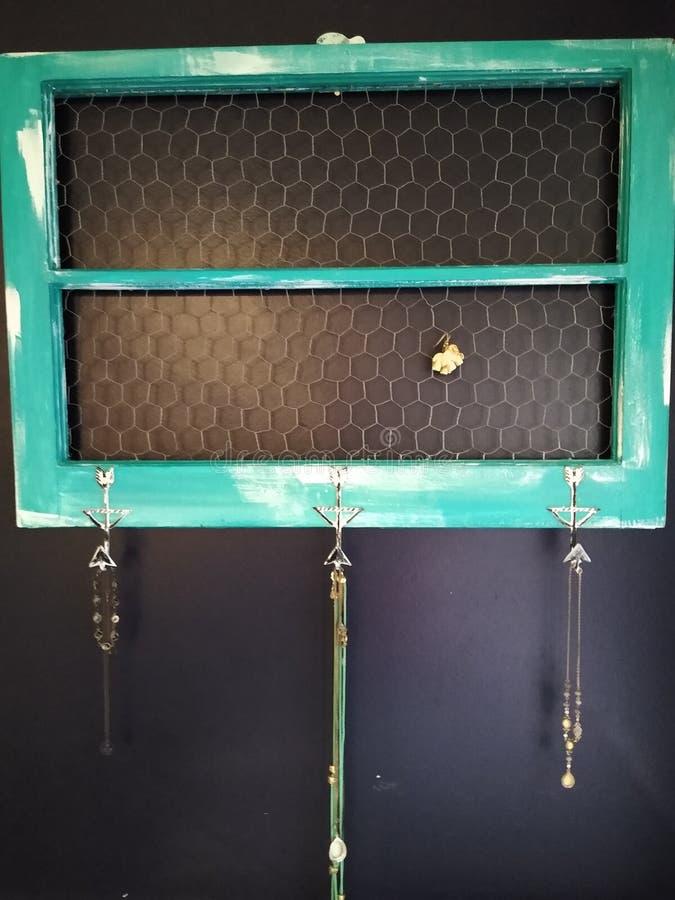 Porta-joias para janelas de madeira de vidros foto de stock