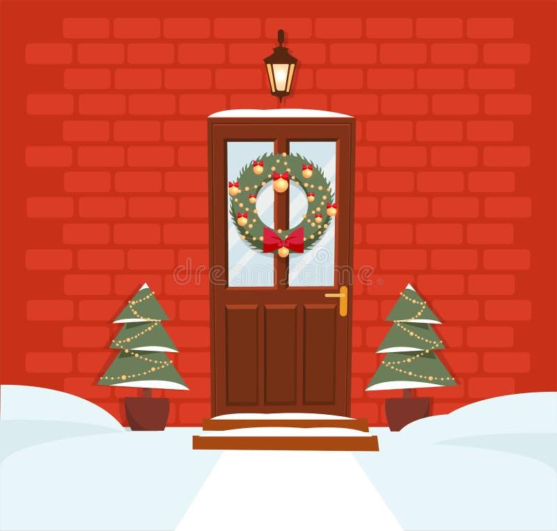 Porta marrom do Natal com grinalda, neve e abetos no fundo de um escuro - parede de tijolo vermelho A lanterna forjada acima da p ilustração royalty free