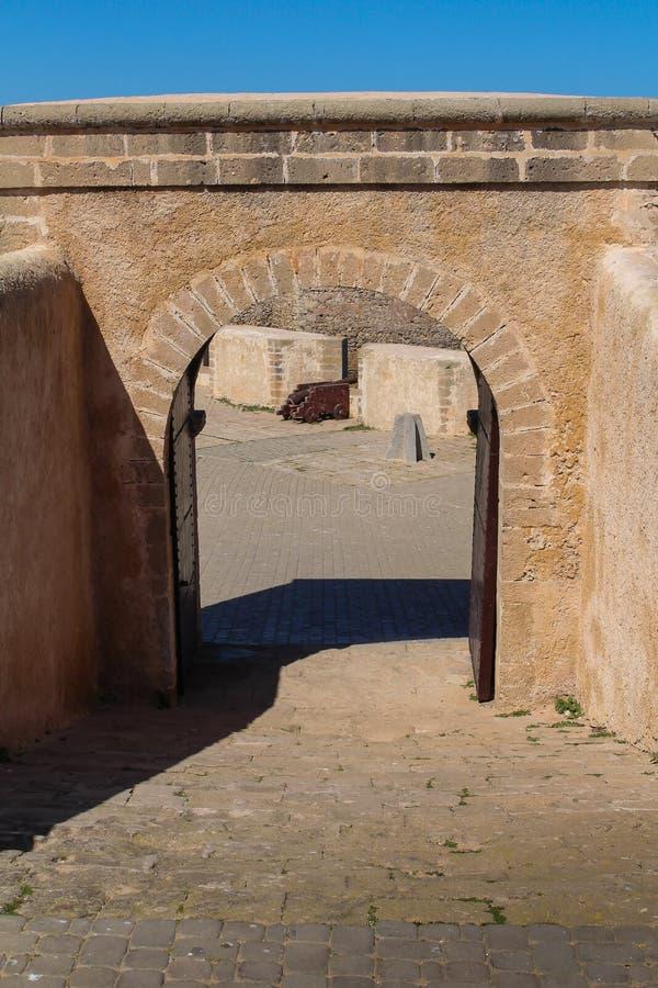 Porta na fortificação, EL Jadida, Marrocos fotografia de stock royalty free