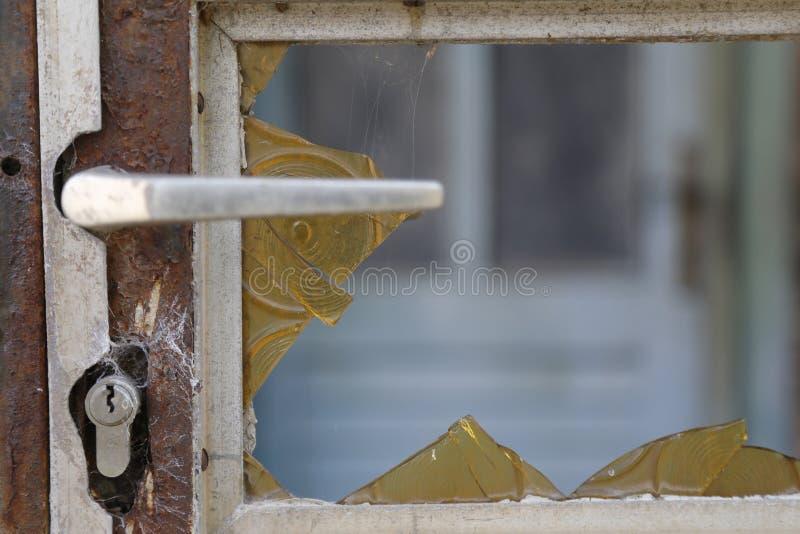 Porta oxidada velha imagem de stock