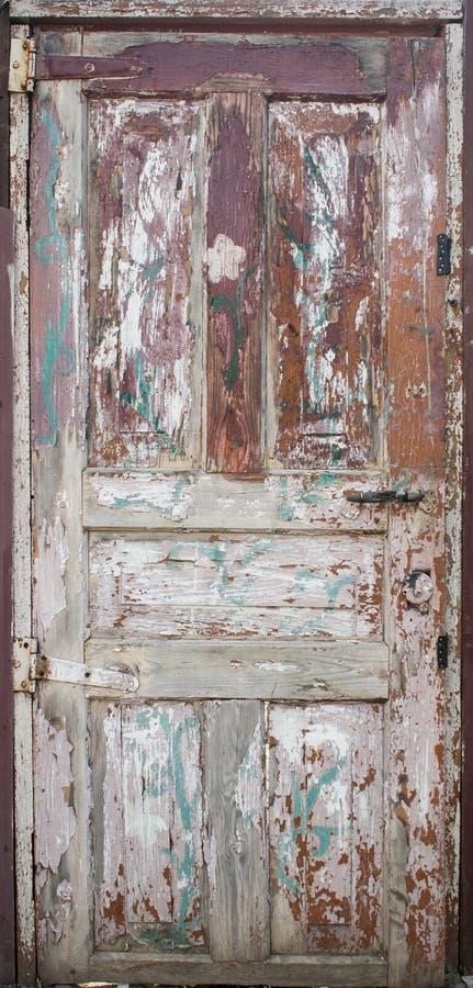 Porta pintada de madeira velha imagem de stock royalty free