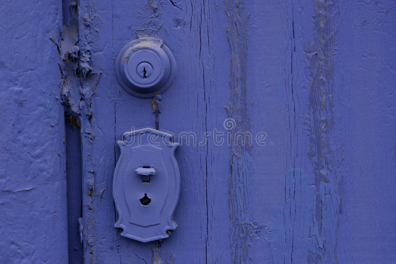Porta pintada roxa de Grunge fotografia de stock