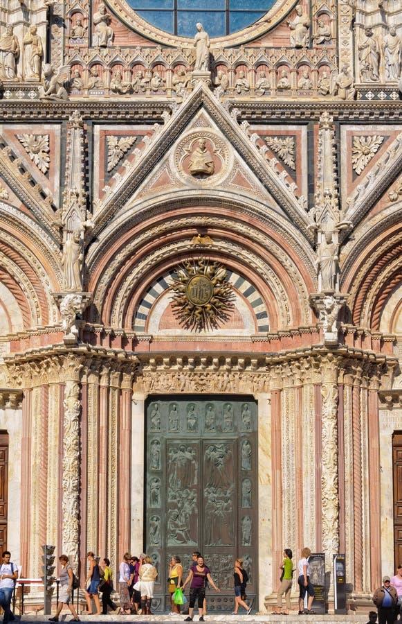 Porta principal do domo - Siena foto de stock royalty free