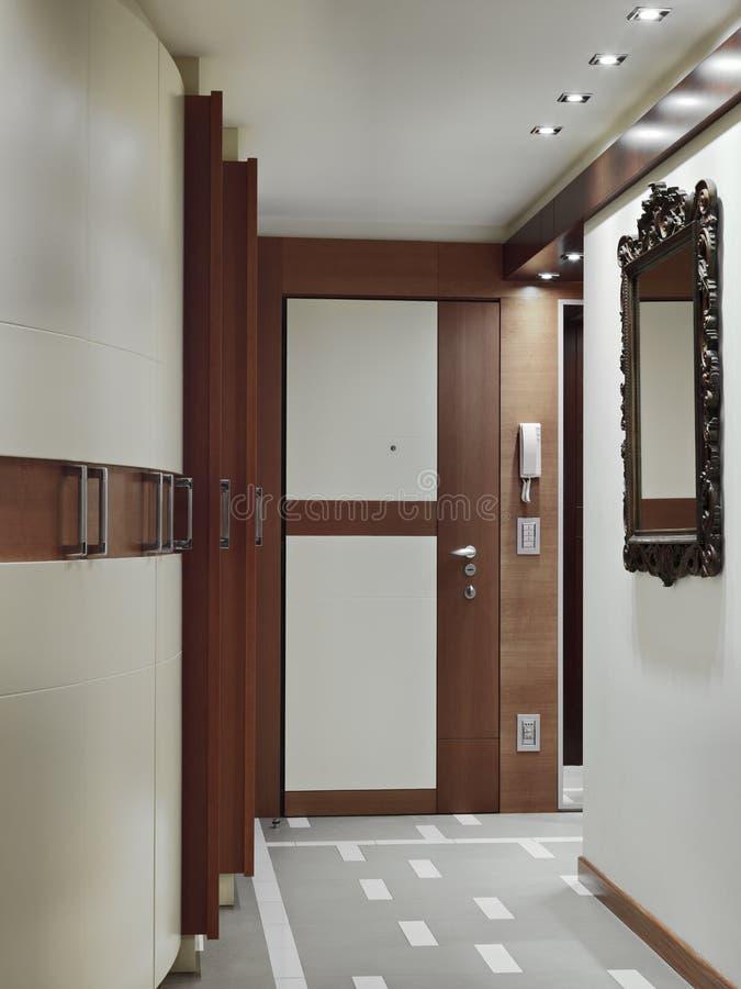Excepcional Porta Principal Moderna Para A Entrada Do Apartamento Imagem de  VO99