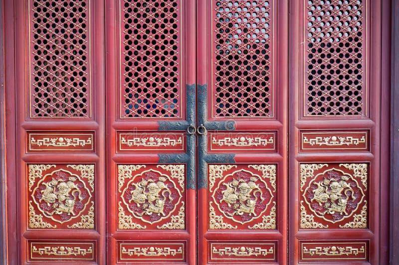 Porta rossa cinese fotografie stock
