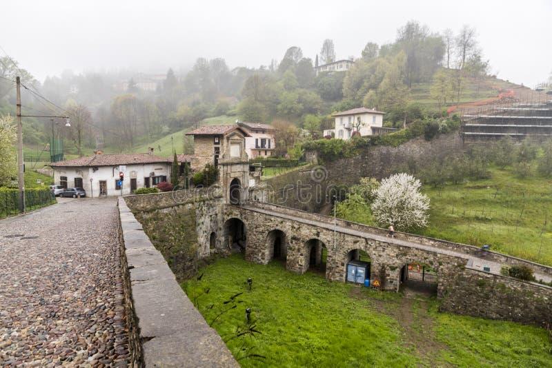 Porta San Lorenzo, Bergame, Italie photos libres de droits