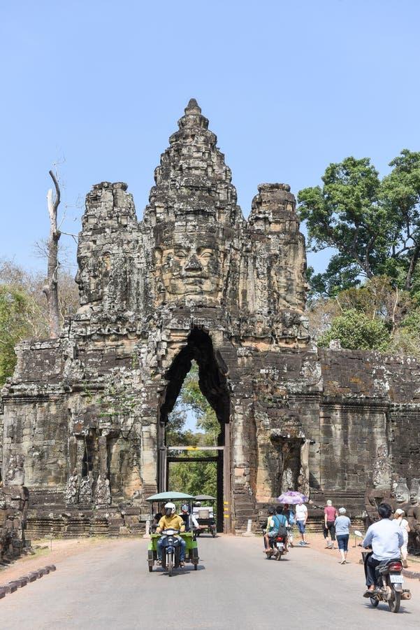 Porta sul a Angkor Thom em Camboja fotografia de stock royalty free