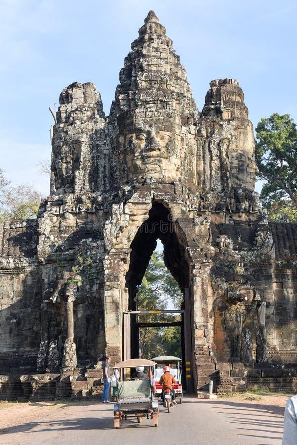Porta sul a Angkor Thom em Camboja imagens de stock royalty free