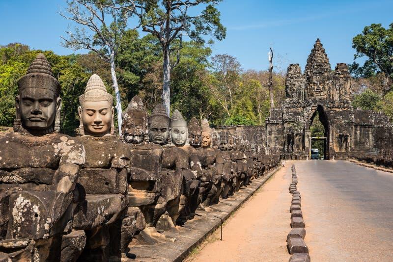 Porta sul a Angkor Thom em Camboja, ?sia fotografia de stock royalty free