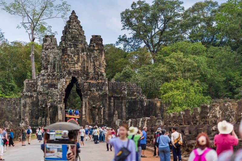 Porta sul de Angkor Thom fotos de stock