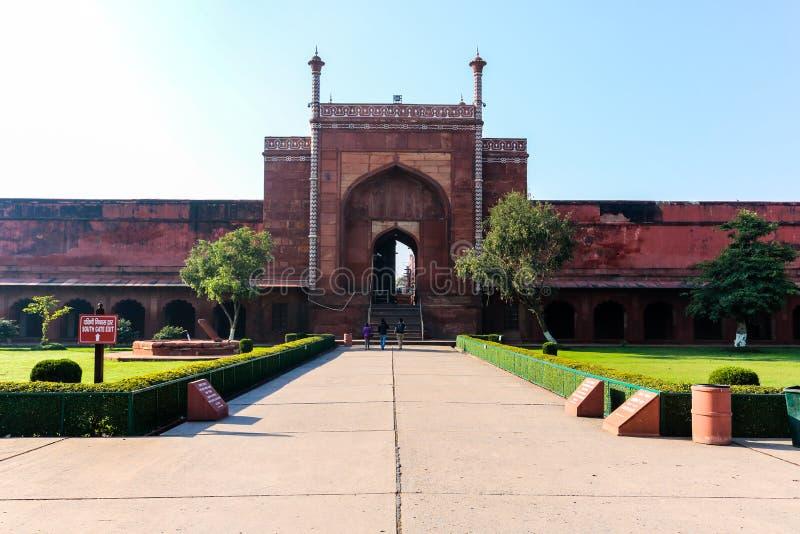 A porta sul de Taj Mahal imagens de stock royalty free
