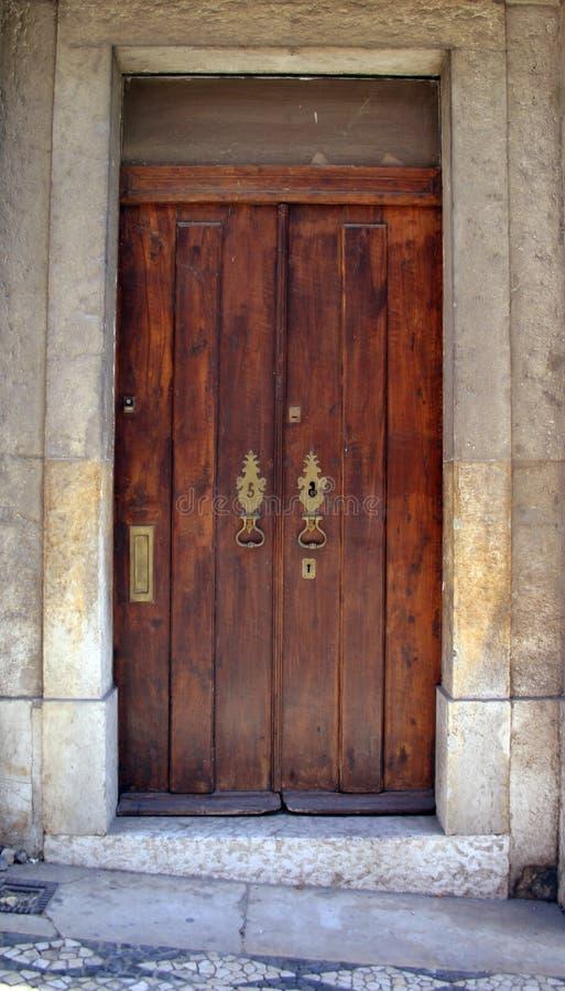 Download Porta velha imagem de stock. Imagem de edifício, porta - 541289