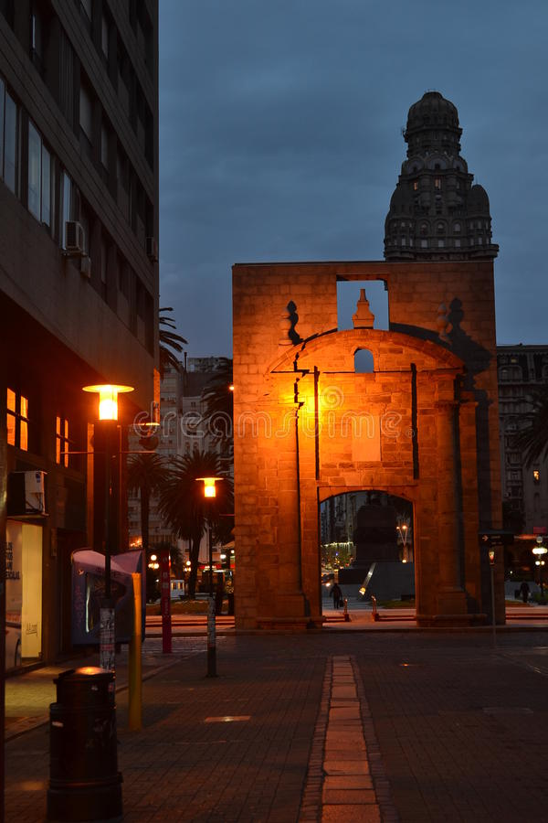 Porta velha da cidade, Montevideo, Uruguai imagens de stock royalty free