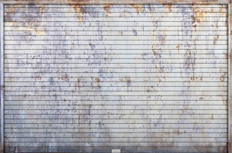 A porta velha da garagem do obturador do rolo ilustração do vetor