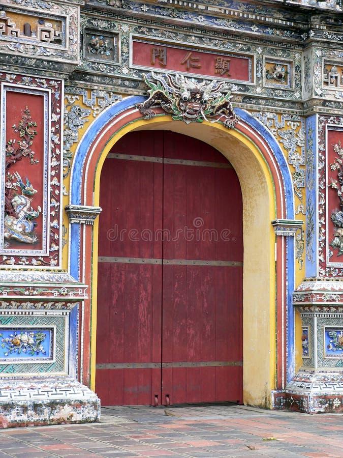 A porta vermelha fotos de stock