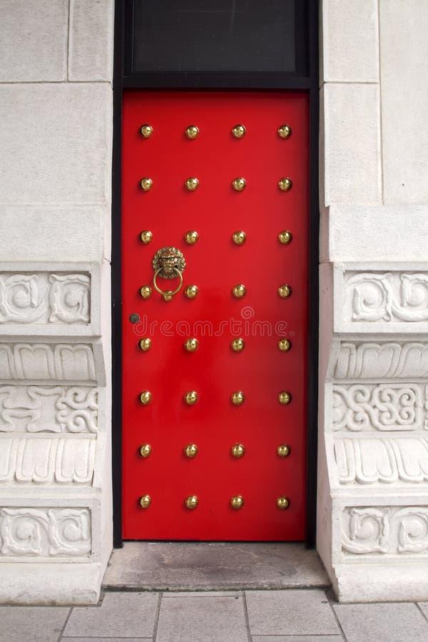 Porta vermelha chinesa imagem de stock