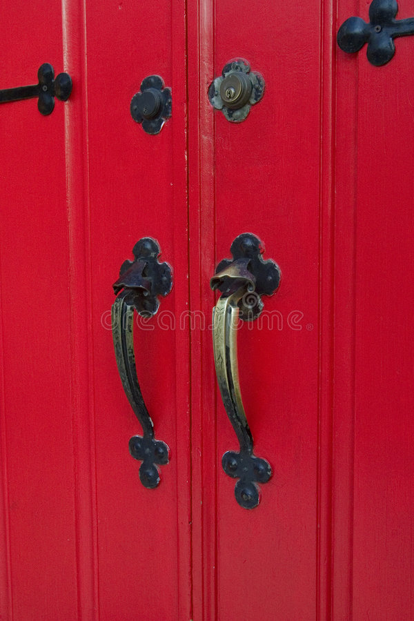 porta vermelha da igreja d12 imagens de stock