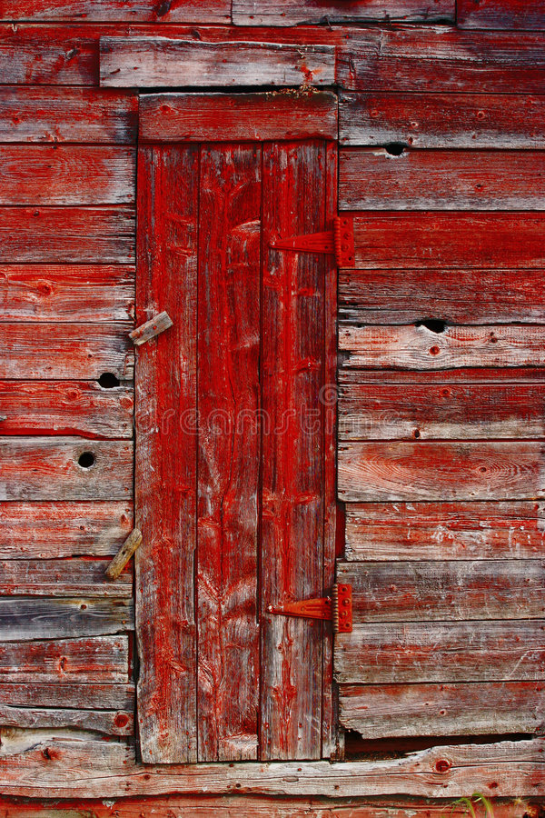 Porta vermelha velha fotografia de stock