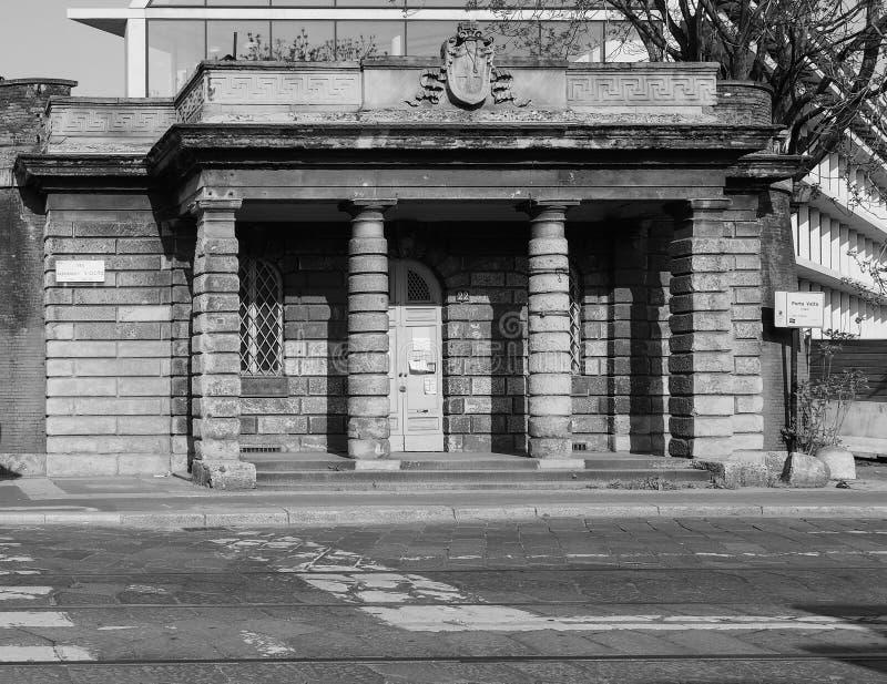 Porta Volta in zwart-wit Milaan, stock foto