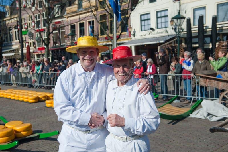 Portadores en el mercado del queso de Alkmaar fotografía de archivo libre de regalías