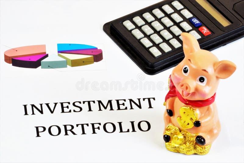 Portafoglio investimenti Valutare efficacemente la liquidità dei titoli, la redditività dei depositi, delle azioni, delle obbliga fotografia stock libera da diritti