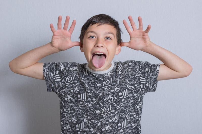 Portait av en pojke fotografering för bildbyråer