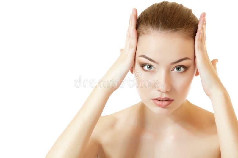 Portait piękna młoda kobieta z długim brown włosy obraz royalty free