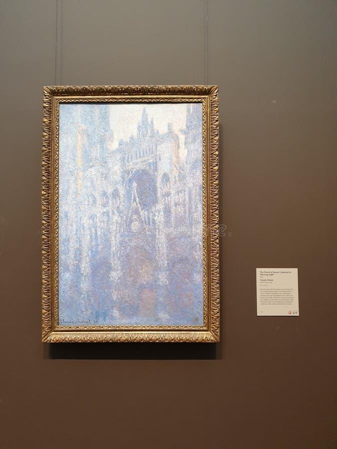 Portal do centro- de Getty da catedral de Rouen na luz da manhã fotos de stock