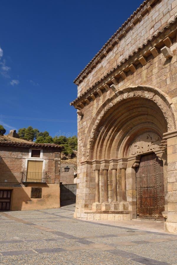 Portal Románico de la iglesia de San Miguel o de San Valero 13t fotos de archivo libres de regalías